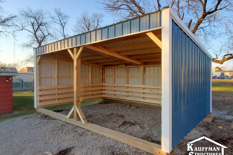 loafing shed in pella